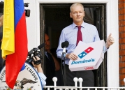 julian-assange-gets-his-dominos-delivered